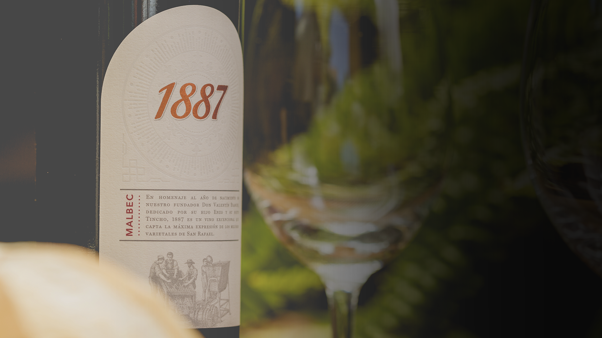 1887 Malbec bottle